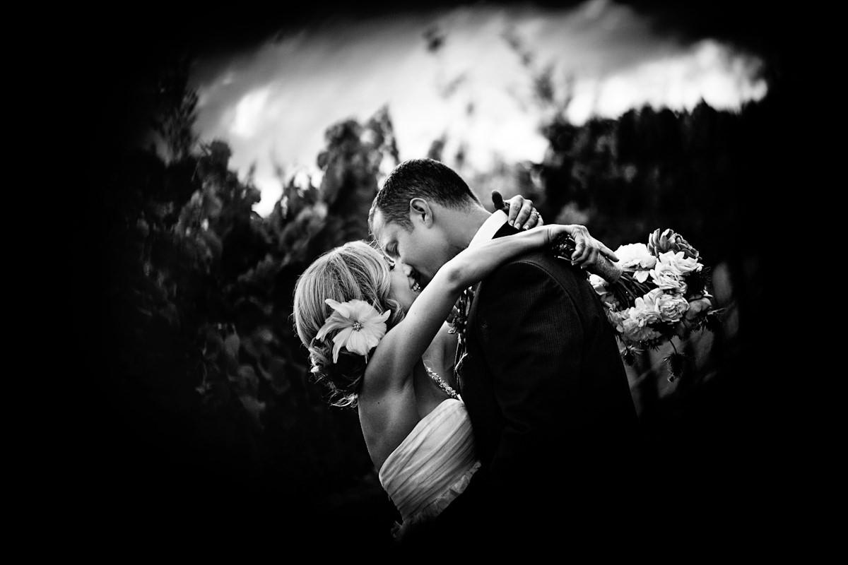 024-barn-wedding