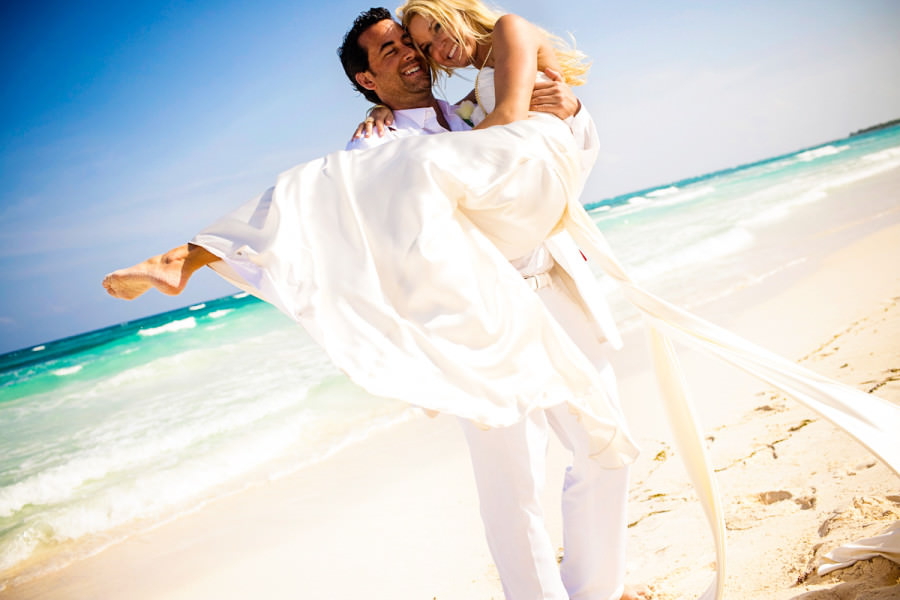 024-beach-wedding