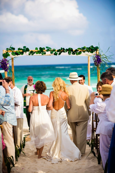 025-beach-wedding