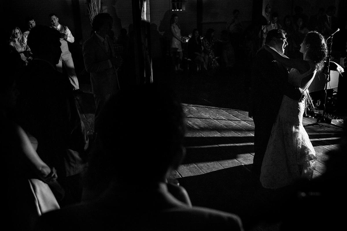 056-barn-wedding