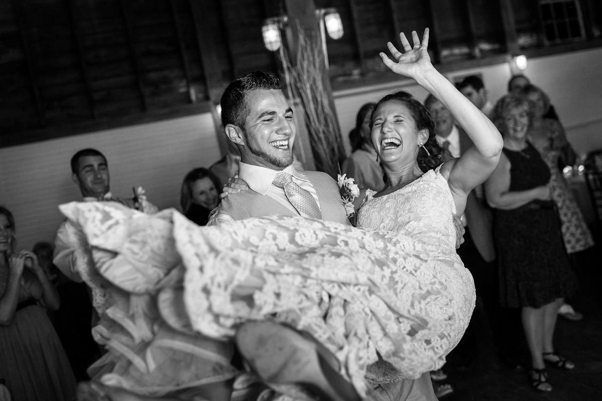 058-barn-wedding