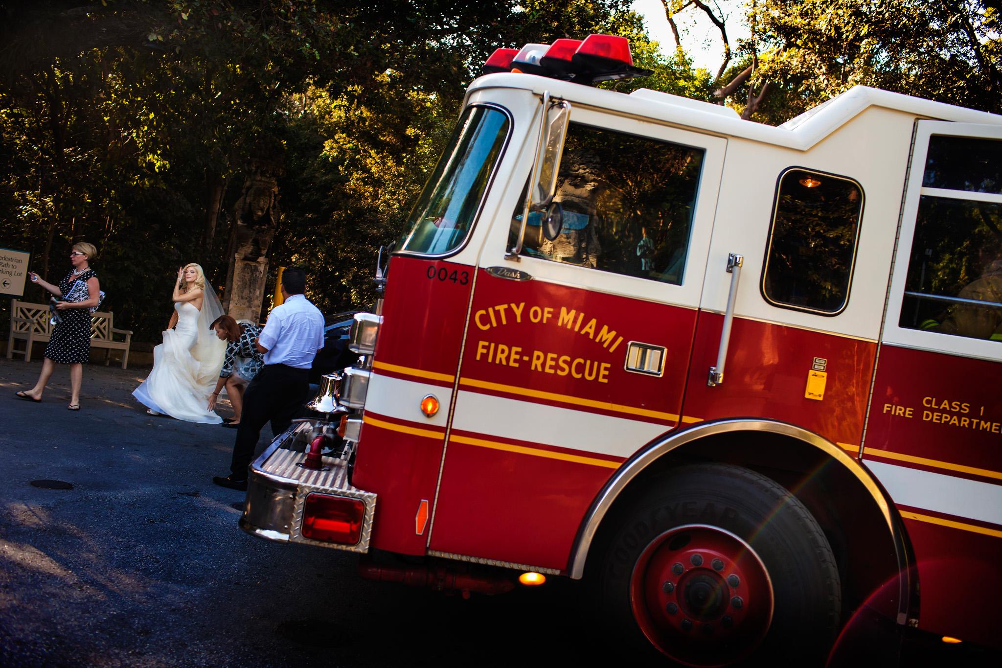08-jessica-marc-vizcaya-wedding-photos
