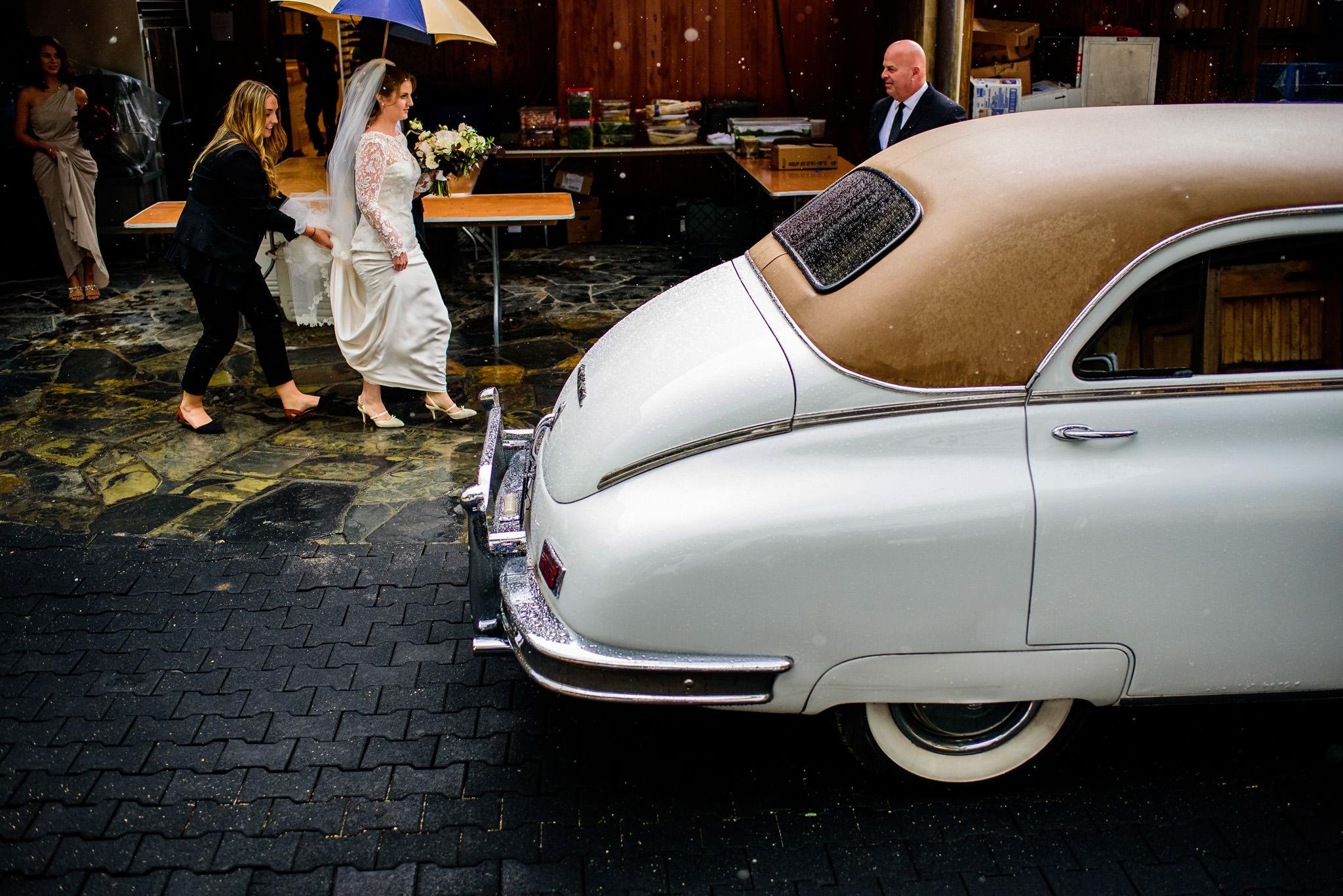 13-robyn-andy-chalk-hill-estate-wedding
