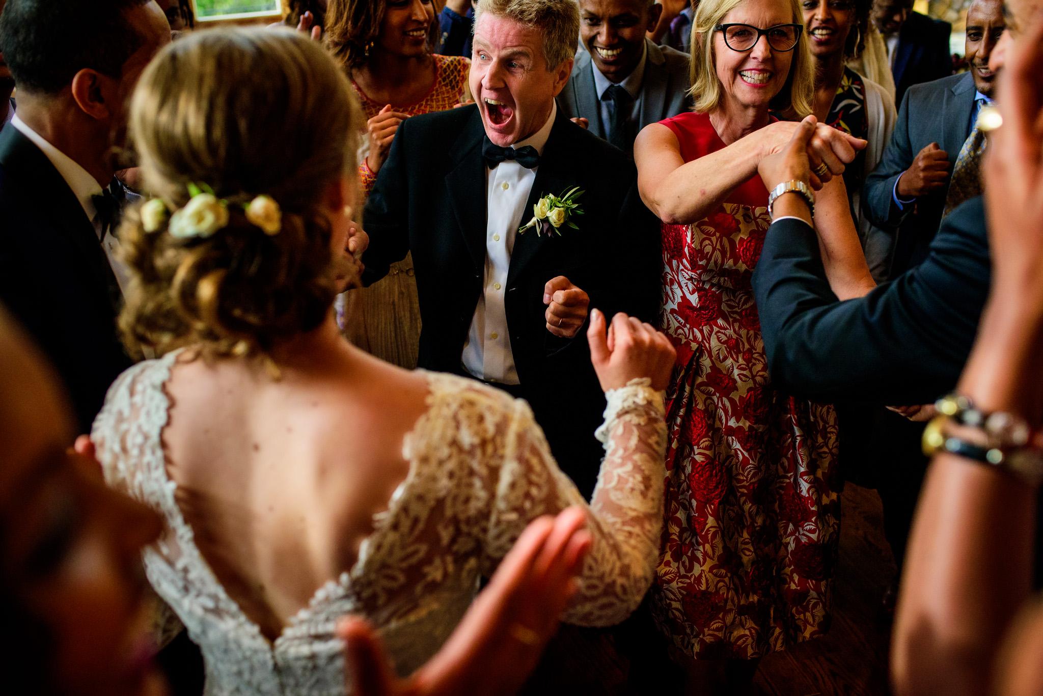 34-robyn-andy-chalk-hill-estate-wedding