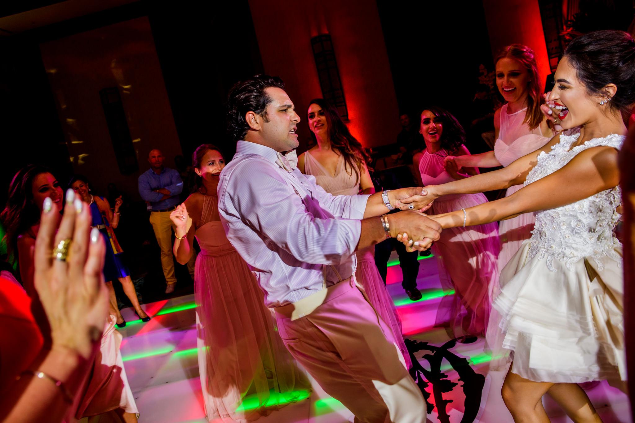 40-ashley-conner-four-seasons-resort-hualalai-wedding