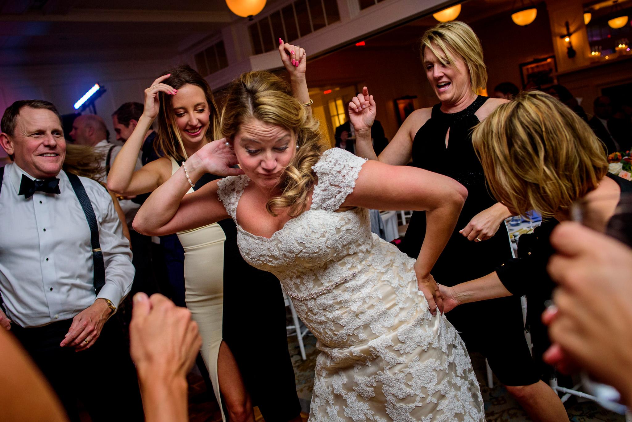 36-whitney-tad-gibson-island-club-wedding